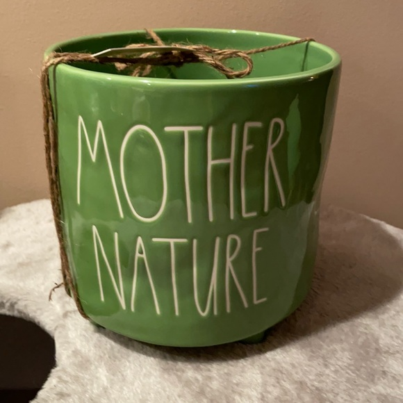 Rae Dunn Green Mother Nature footed planted NWT